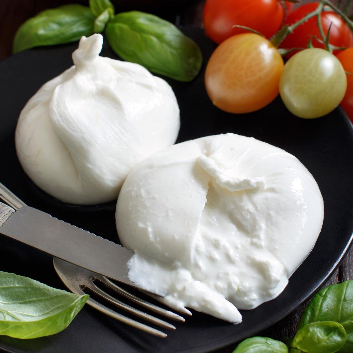 burrata, Italian, creamy, cows milk mozz