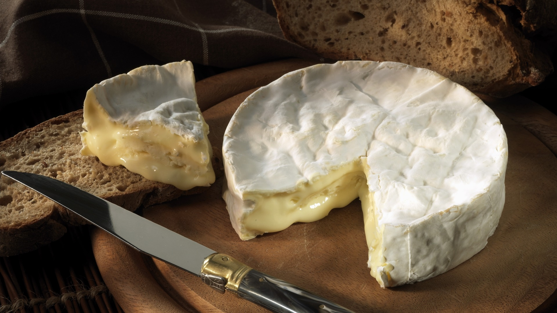Coulommiers, French, soft ripen, cheese, cow