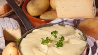aligot, mashed potato, cheese, tomme de savoie