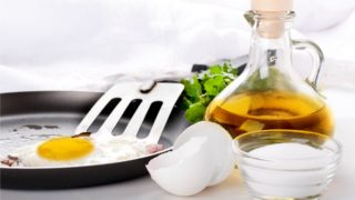 olive oil fried eggs, Spanish style eggs