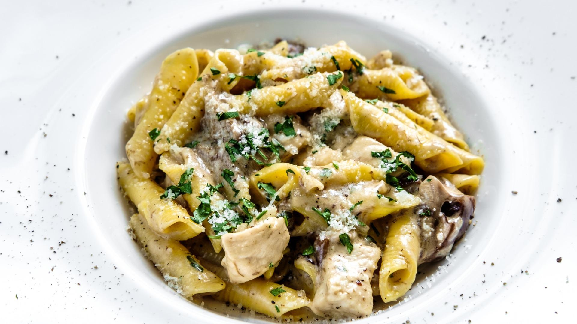 garganelli, pasta, mushroom, sauce