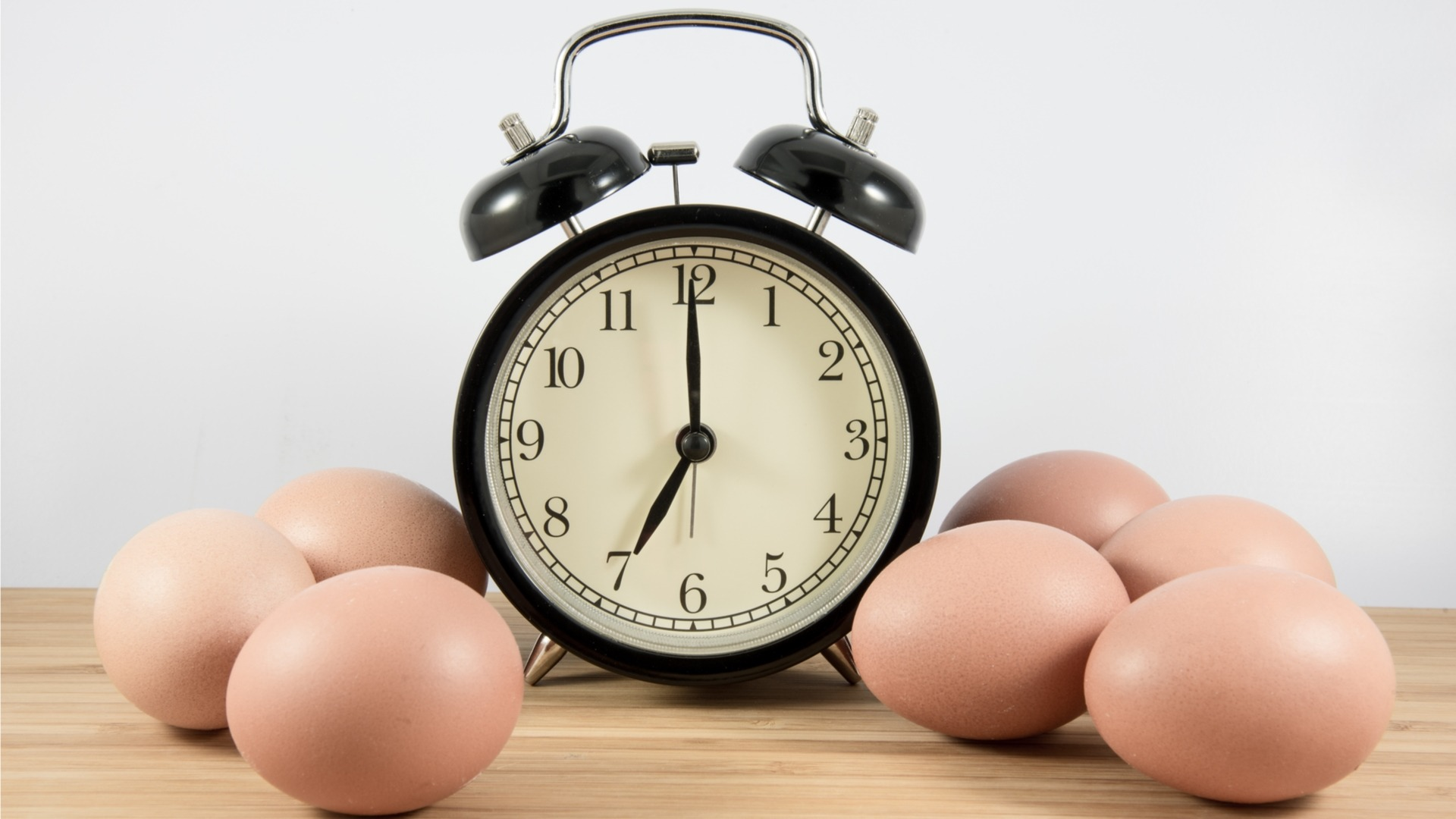 Clock and eggs